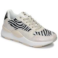 鞋子 女士 球鞋基本款 MTNG 69867-C47433 黑色 / 白色