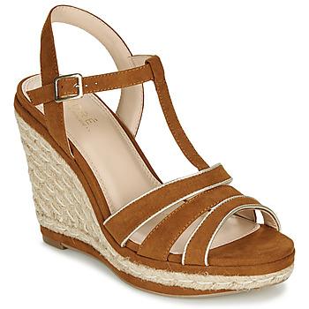 鞋子 女士 凉鞋 André JULY 驼色