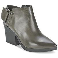 鞋子 女士 短靴 Vic 维克 REVEBE 灰色
