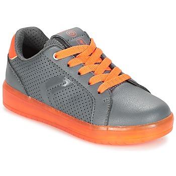 鞋子 男孩 球鞋基本款 Geox 健乐士 J KOMMODOR B.B