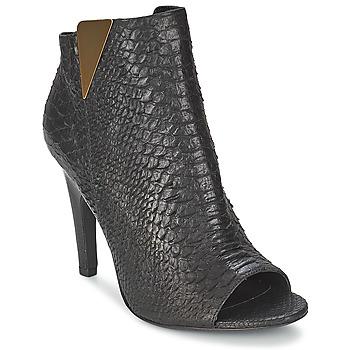 鞋子 女士 短靴 Vic 维克 CARVI 黑色