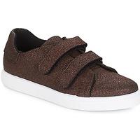 鞋子 女士 球鞋基本款 André ECLAT 古銅色